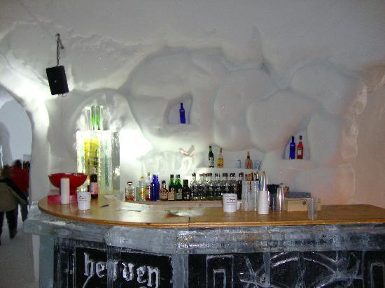 iglu-bar-13-march-2010